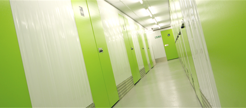 10ft Lockers to 600sqft rooms in Wickford